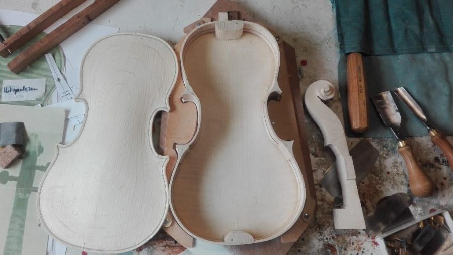 de bouw van een nieuwe viool